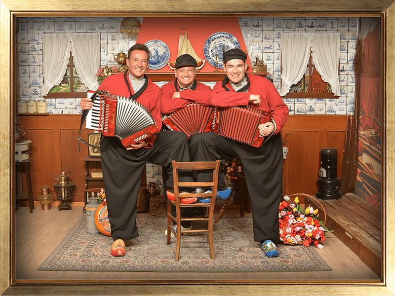 Wonderbaarlijk Foto in Volendammer klederdracht | Foto in Volendam kostuum | Foto DK-91