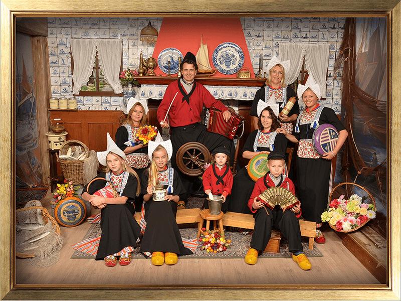 Nieuw Foto in Volendammer klederdracht | Foto in Volendam kostuum | Foto LO-48
